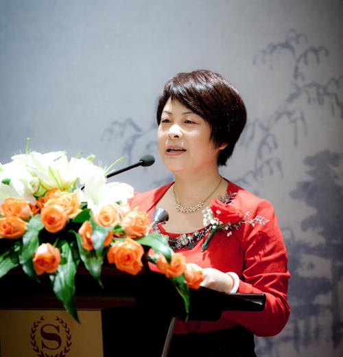 全国政协委员吴晶:推进政府购买公共服务市场化改革